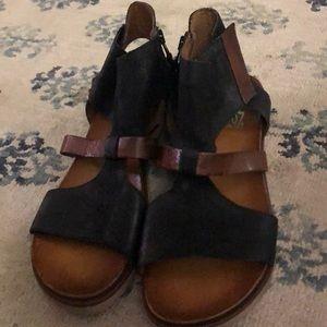 Miz Mooz NY Leather Sandals 42 NWOT